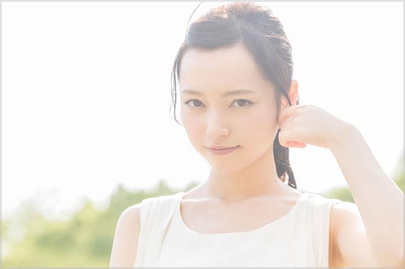 alomアロム小室さやかのかわいい画像まとめ!経歴や武蔵大学出身で頭がいい?