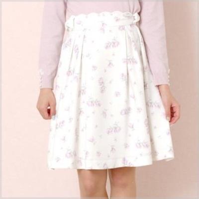 高梨臨,ドラマ衣装,初めて恋をした日に読む話,はじこい,かわいい,可愛い,スカート,フレアスカート,花柄スカート,